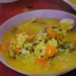 Sopa de arroz con almejas y berberechos